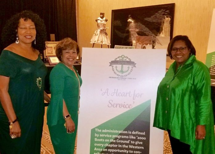 Past Presidents Myers, Hill and current President Mills-Ealy